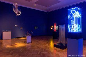 gyula-kosice-en-el-museo-nacional-de-bellas-artes-mnba-exposicion-homenaje-2016-7