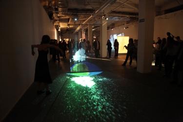 """2010 – Lanzamiento de la Bienal """"Kosice Agua – Luz – Movimiento""""."""
