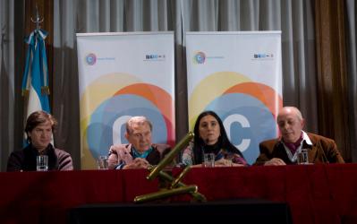2012 – Premio a sus 70 años de trayectoria, Secretaría de Cultura de la Nación, Buenos Aires.